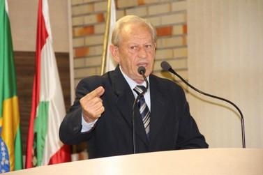 José Zancanaro (PSB) solta o verbo contra prefeito e vice na Câmara