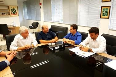 Prefeitura e entidades recebem R$ 926 mil em emendas parlamentares