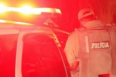 Além de dirigir bêbado, homem danifica viatura da Polícia Militar ao ser preso