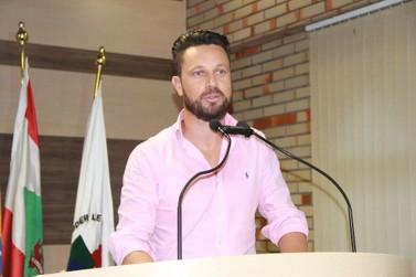 André Rezini assume cadeira de Deivis Jr. na Câmara Municipal