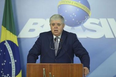 Ministro avisa sobre multa de R$ 100 mil para quem não desbloquear estradas
