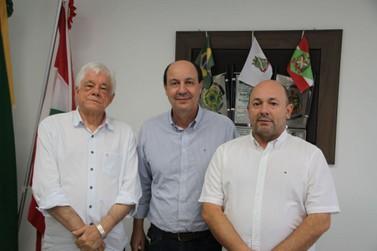 Novo secretário executivo da ADR Blumenau faz primeira visita a Brusque
