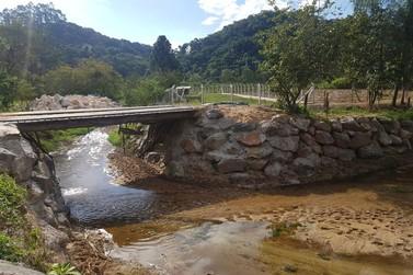 Prefeitura de Brusque finaliza enrocamentos no Cristalina, Tomaz Coelho e Zantão