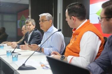 Governador destaca integração de forças e garante que SC volta à normalidade