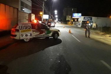 250 veículos são abordados durante Operação Lei Seca, em Brusque