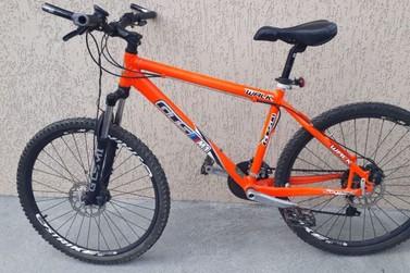 Bicicleta encontrada em prédio abandonado está sob guarda do 18° BPM de Brusque