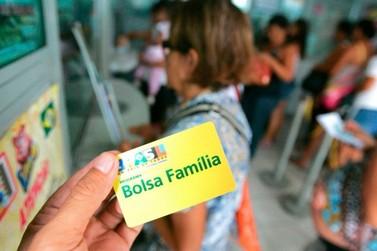Bolsa Família começa a pagar nesta quarta (18) benefício com reajuste