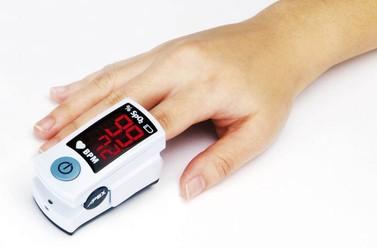 Brusque recebe três novos oxímetros, aparelho que mede sinais vitais