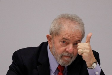 Desembargador dá prazo de uma hora para soltar Lula