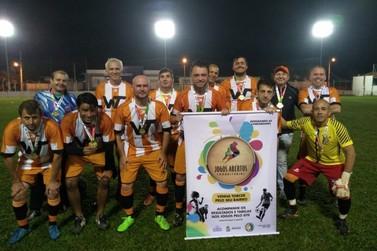 Águas Claras leva título do futebol suíço sênior em disputa contra Tomaz Coelho