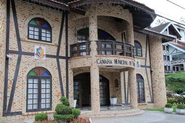 Câmara de Vereadores de Brusque anuncia interrupção de veiculação das sessões