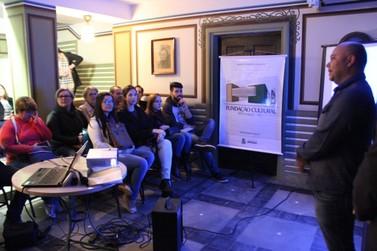 Cerca de 40 pessoas conhecem história da família Renaux através de visita