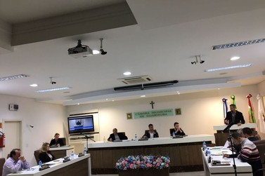 Em sessão Câmara de Guabiruba aprova dois projetos de lei em caráter de urgência