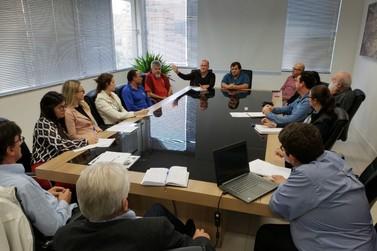 Fórum Sindical visita UBS's de Brusque e apresenta relatório a Jonas Peagle