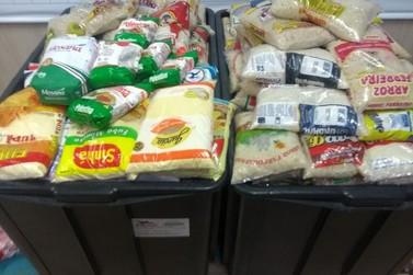 Meia tonelada de alimentos são doados na final do Campeonato de Futebol Amador