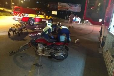 Casal em motocicleta fica ferido em acidente, na rodovia Gentil Batisti Archer