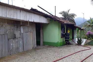 Homem morre em incêndio, em Botuverá