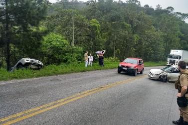 Após colisão caminhonete sai da pista, na rodovia Gentil Batisti Archer