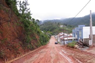 Parceria comunitária possibilita pavimentação na rua Humberto Bosio
