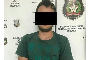 Suspeito de roubar veículo em Brusque é preso nesta quarta-feira (10)