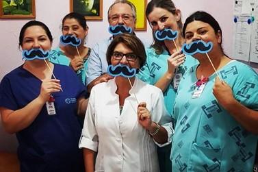 Colaboradores do Hospital Azambuja participam de ação alusiva ao Novembro Azul