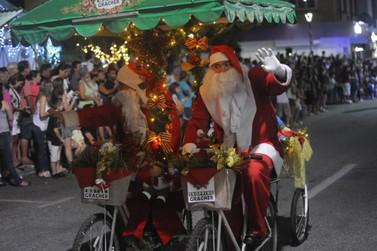 Desfile de Natal e abertura da Casa do Papai Noel marcam sexta-feira (30)
