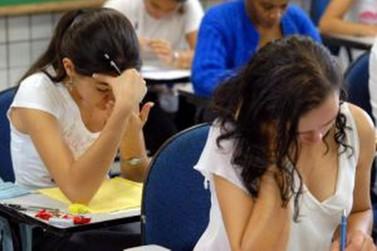 Metade de inscritos com direito à nova prova do Enem consultam local de exame