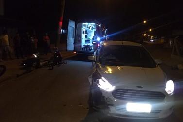 Motociclista fica ferido em acidente envolvendo carro