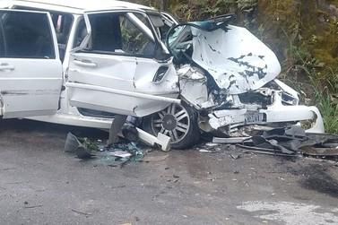 Mulher e criança de 5 anos ficam gravemente feridas em acidente, em Botuverá