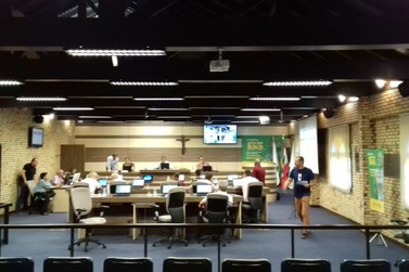 Vereadores brusquenses discutem acerca do novo presidente do legislativo