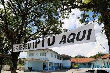 Cerca de 2 mil pessoas já retiram carnê físico do IPTU em Guabiruba
