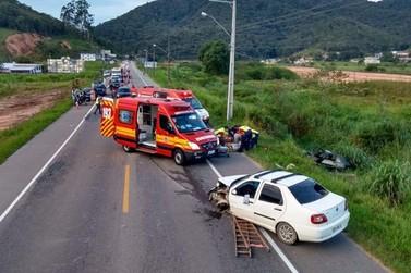 Três ficam feridos em colisão na rodovia Ivo Silveira, em Gaspar