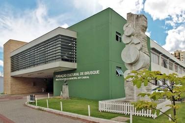 Fundação Cultural de Brusque abre inscrição para professores de bateria e dança
