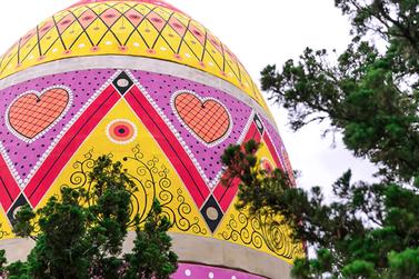 Hoje é o último dia para ver o maior ovo decorado de Páscoa do mundo