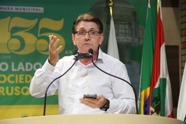 Keka Morelli solicita pressa do Executivo em regulamentar serviço de táxis