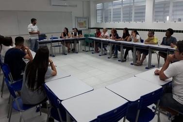 Prefeitura de Brusque realiza projeto de alfabetização para jovens e adultos