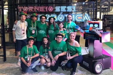 Sesi/Senai de Brusque participa de competição internacional de robótica