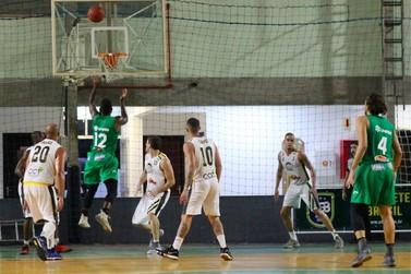 Brusque Basquete vence Blackstar Joinville e volta ao G4 do Brasileiro