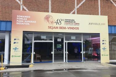 CDLs de Brusque e Guabiruba participam 48ª Convenção Lojista de Santa Catarina
