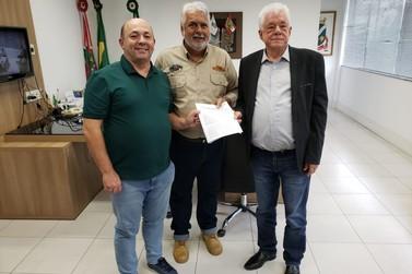Prefeitura assina contrato de concessão com o Brusque Jeep Clube
