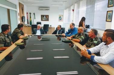 Autoridade máxima do Exército catarinense visita Brusque