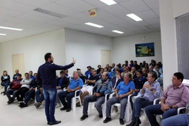 Samae promove palestra de motivação para servidores