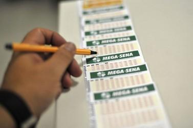 Sorteio da Mega-Sena paga R$ 115 milhões neste sábado (15)