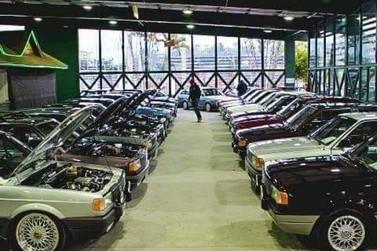 Brusque sedia 7º Encontro de Quadrados, voltados à carros antigos
