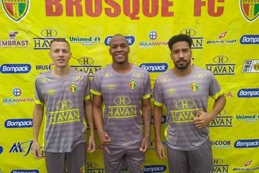 Brusque apresenta três reforços para a disputa da Copa Santa Catarina