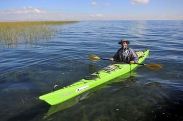 Brusquense é o 1º brasileiro a contornar o Lago Titicaca em Kayak