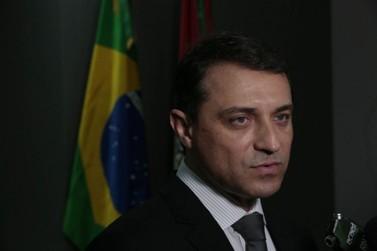 Carlos Moisés vende aeronave e adere a vôos comerciais; Economia é de 95%