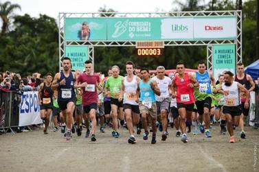 Cerca de 800 atletas participam da Corrida do Bem/FarmaSesi 2019, em Brusque