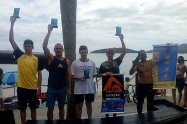 Atleta de Brusque participa do Circuito de Travessia Ocean de Águas Abertas