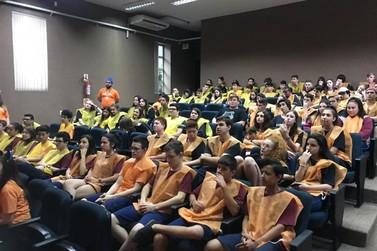 """Sesi/Senai reúne alunos de Brusque e Guabiruba em """"aulão"""" para o ENEM"""